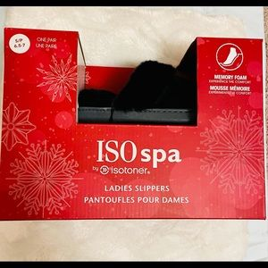 Brand New in the box ISO spa ladies slippers 6.5-7